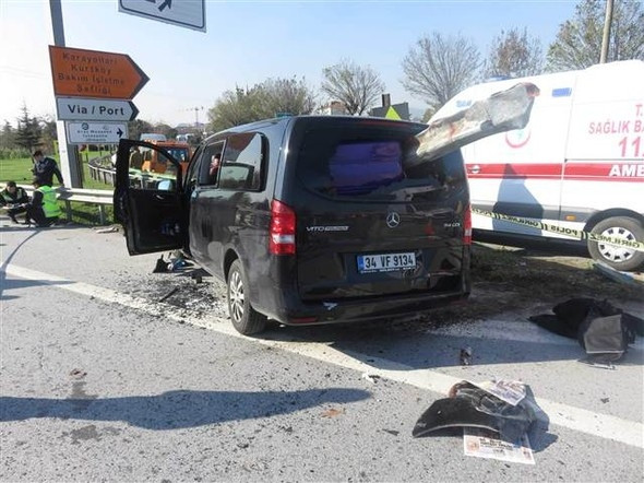 Bariyer lüks minibüse ok gibi saplandı: 1 ölü, 5 yaralı