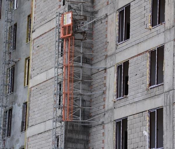 Dış cephe asansörü koptu: 2 işçi ölü