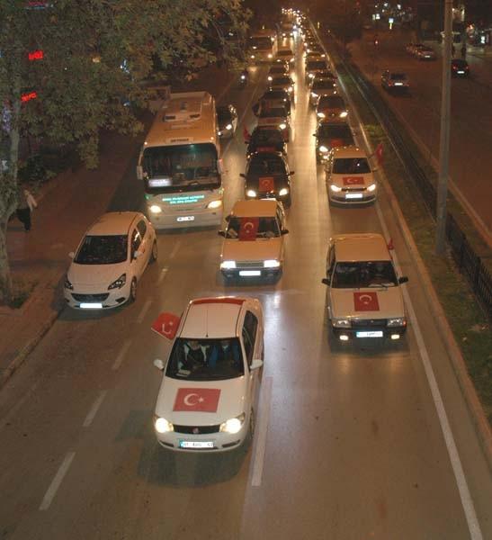 Adana halkı sokağa döküldü