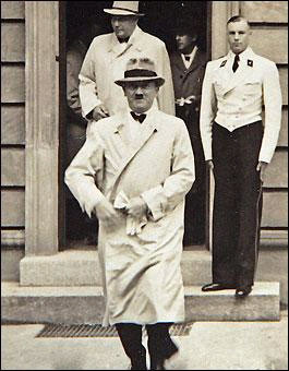 Hitlerin hiç görülmemiş fotoğrafları