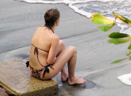 Sevgili farklı, bikini aynı!