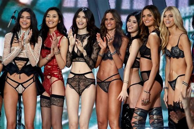 2016Victoria's Secret Fashion Show