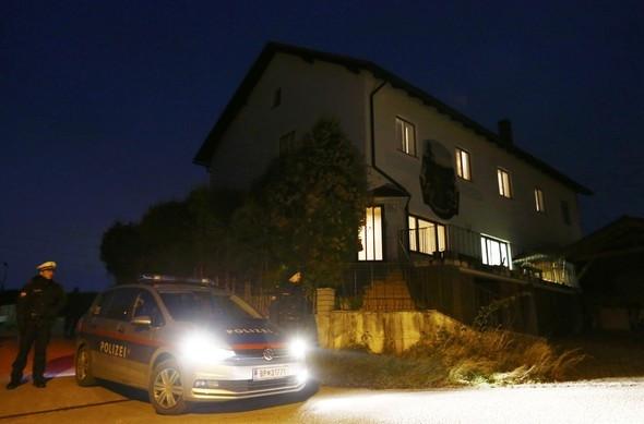Bir evde 6 kişinin cesedi bulundu