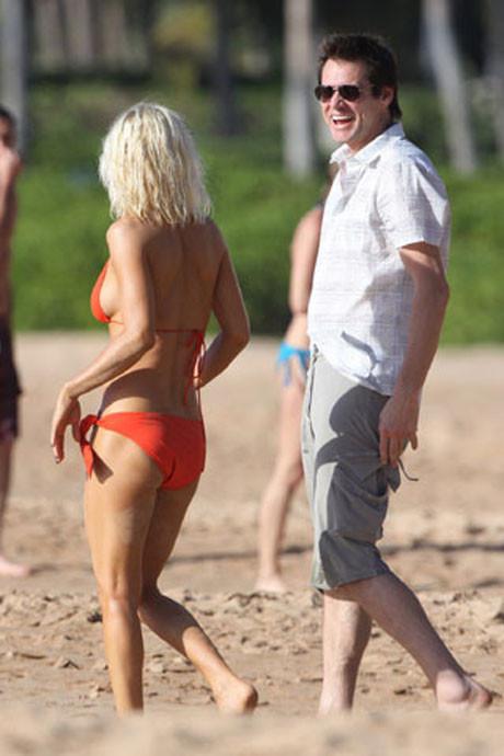 Jim Carey sevgilisiyle tatilde