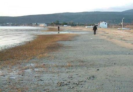 Erdek'te deniz çekildi