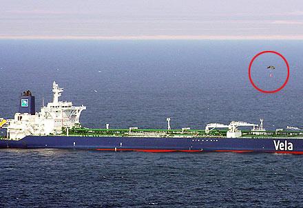 Korsanların teknesi battı
