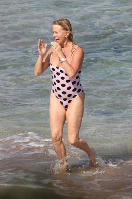 Goldie Hawn plajda