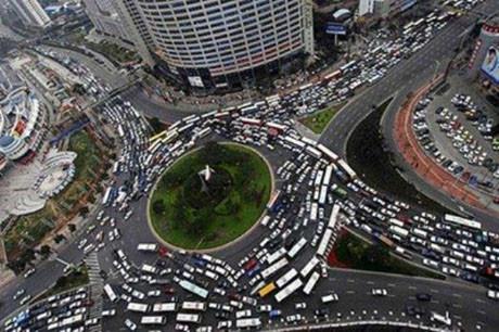 Böyle trafik olmaz !