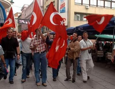 Bosnadan üzgün döndük