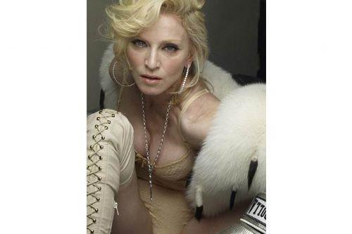 Madonnadan olay pozlar
