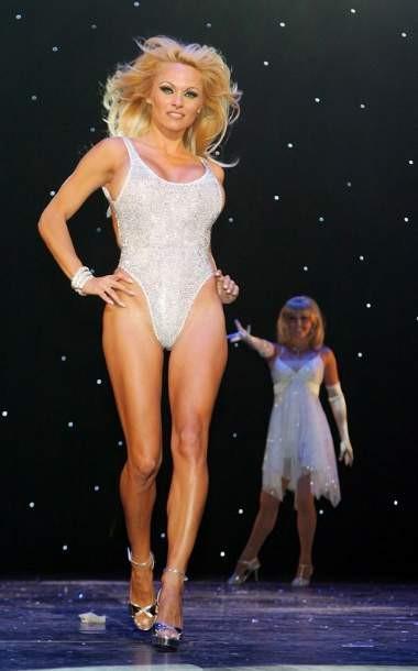 Pamela Anderson dudak dudağa
