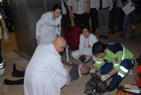 Havalimanında kalp krizi geçirdi