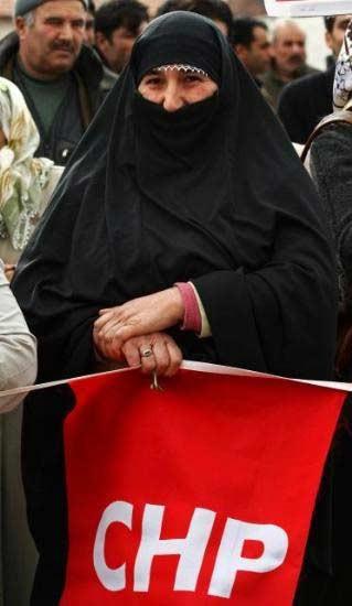 Çarşaflılardan CHP mitingi