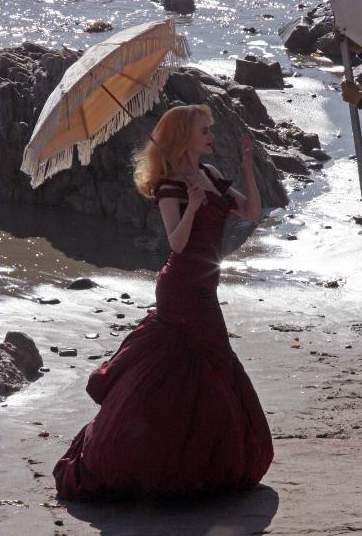 Nicole Kidman Malibu sahilinde