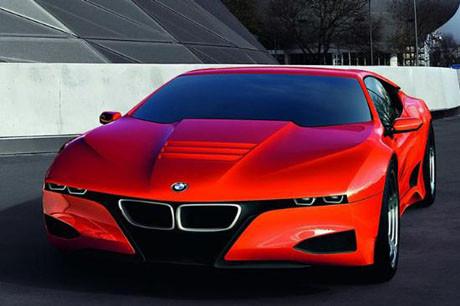 BMW M1 baş döndürüyor