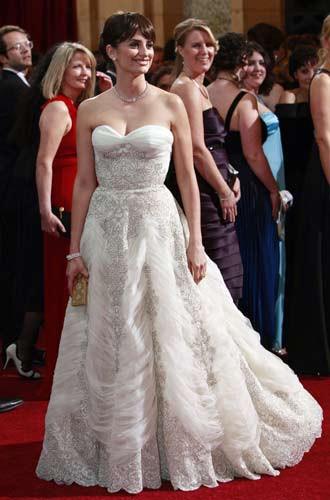 Oscarda kırmızı halı şıkları