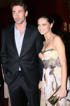 Adriana Lima evlendi !