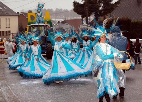 Türk köyünde karnaval