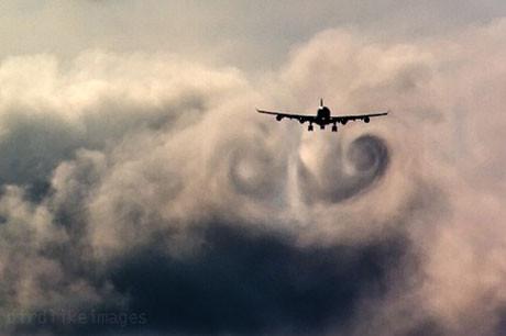 Uçak türbülansa mı girdi ?