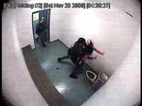 Polis vahşeti basına sızdı!
