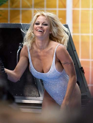 Pamela Andersondan 3 milyon dolarlık pozlar