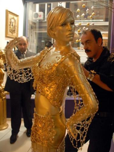 İşte Hadisenin Eurovision kıyafeti