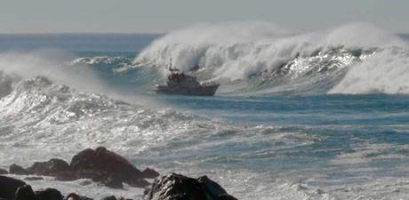 Dev dalgalarla savaş