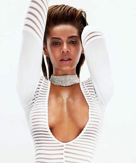 Beyonce beyazlara büründü