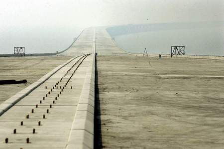 Dünyanın en uzun köprüsü Çinde...