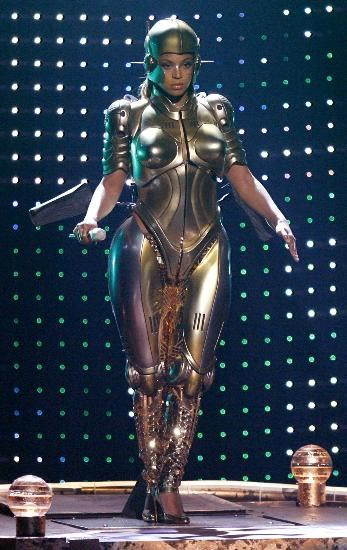 Beyonce Robocop oldu