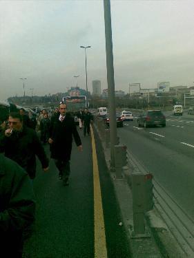 Metrobüs işkencesi sürüyor !