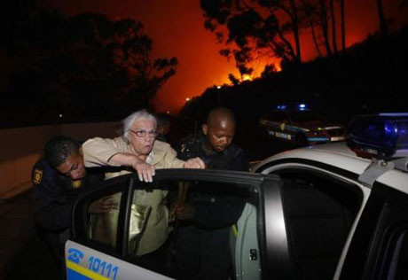 Afrika alev alev yanıyor