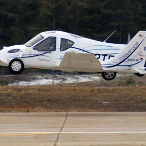 Bu otomobil uçuyor !