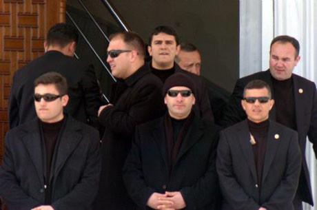 Erdoğanı görebilen var mı ?