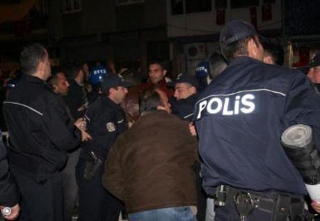 Polis katiline linç girişimi !