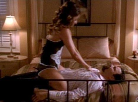 Kocası yatağa bağladı!