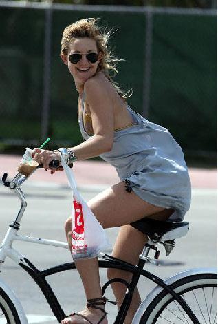 Bisiklet tutkunu ünlüler