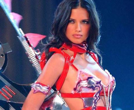 Adriana Limadan vazgeçilmiyor