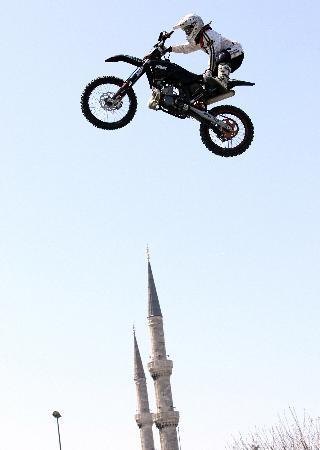 Uçan motokrosçu Sultanahmette