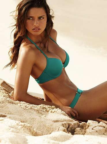 Adriana Lima dan bikinili pozlar