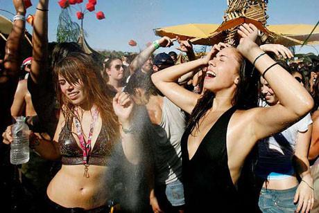 Festivale yıldız yağmuru