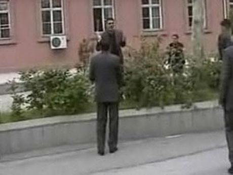 Başbakanlık önünde kendini yakmaya kalkıştı !