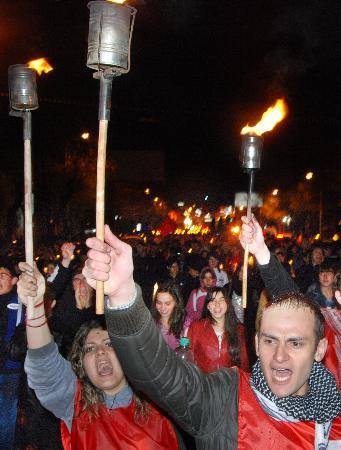 Erivanda Türk bayrağını yaktılar !