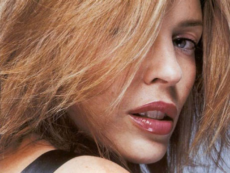 Kylie Minogueu kriz vurdu !