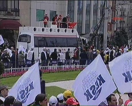 32 yıl sonra DİSK Taksimde !
