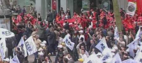 Devrimciler 'Simit Sarayı'nda !