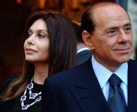 Berlusconi bu kadınlara kapıldı