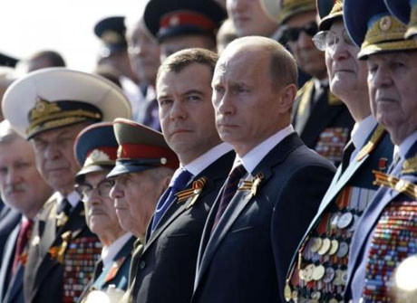 Rusya gövde gösterisi yaptı