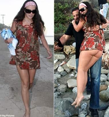 Britney Spears iç çamaşırıyla denize girdi