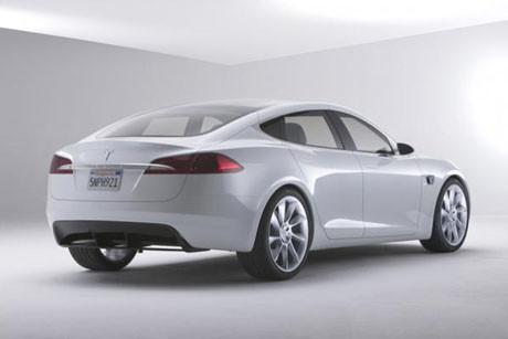 Tesla S satışa sunuluyor